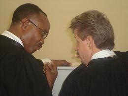 Me Stephan Bourgon et J.Bosco Kazungu déçus
